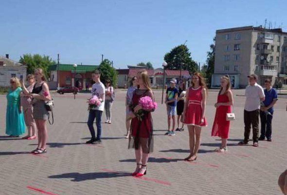 Школа мистецтв вітає своїх випускників