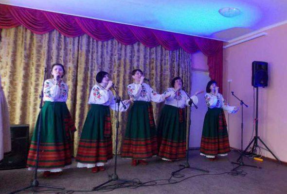 Святковий концерт для жителів села Московський Бобрик