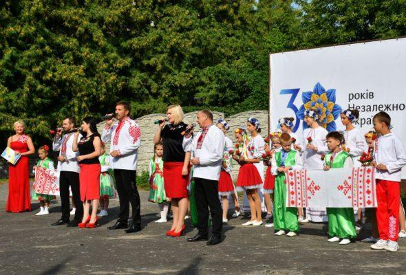 Новий відкрили новий арт-об'єкт «Кролевецький рушник – код нації» до Дня Державного Прапора України на Кролевеччині