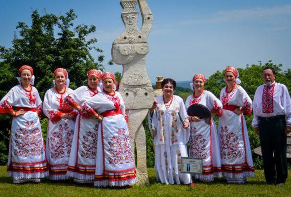 Феєричний виступ охтирської «Калини» в Опішному
